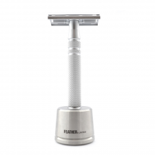 Feather Luxury Safety Razor (med Stand)  - kr 2499 | Hurtig levering
