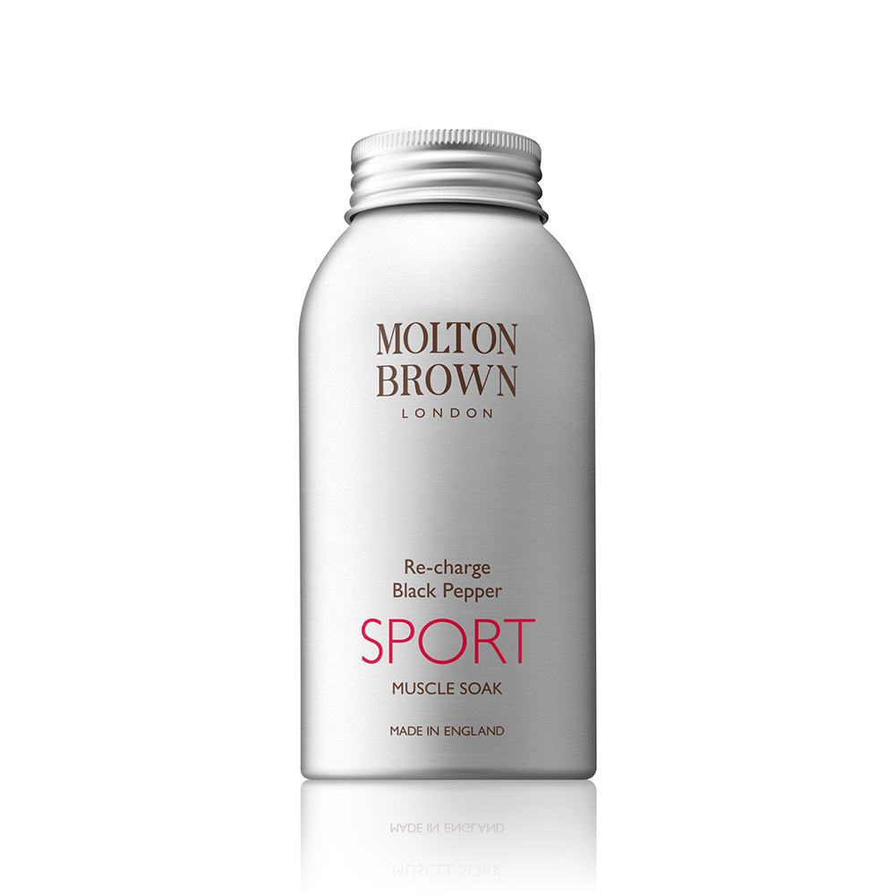 Image of   Molton Brown Re-Charge Black Pepper Sport Muscle Soak (300 g)